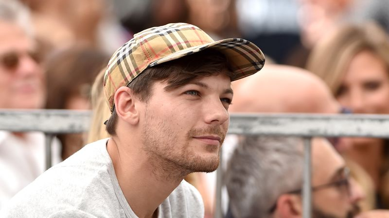Louis Tomlinson shares emotional candid message with fans as he rethinks his career