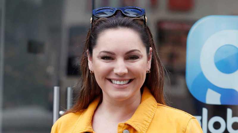 Kelly Brook posts stunning pic after boyfriend calls her 'a balloon'