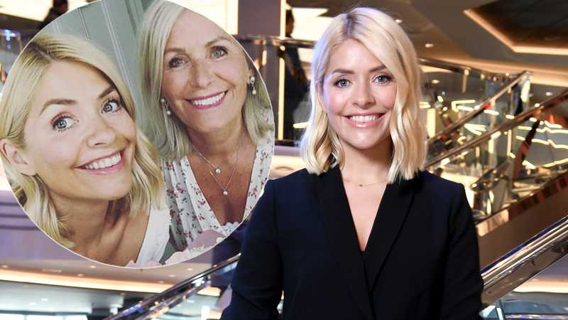Holly Willoughby's fans can't believe her mum is 71-years-old