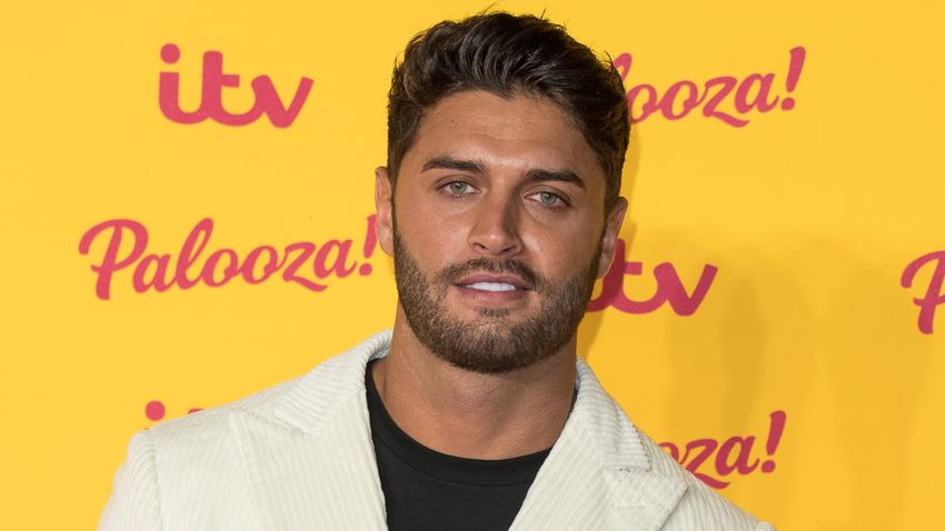 Inquest Rules Cause Of Love Island Star Mike Thalassitis Death Grazia