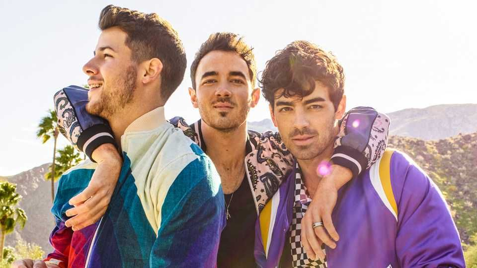 The Jonas Brothers have released their first album in 10 YEARS 🎶