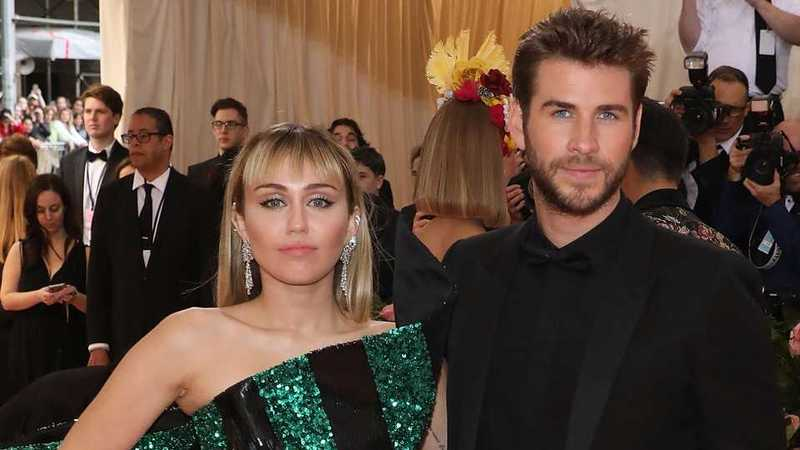 Miley Cyrus wishes hubby Liam Hemsworth happy anniversary with cute tribute💜