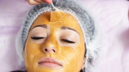 The best 24 karat gold face masks you need to know about | Shopping | Heat