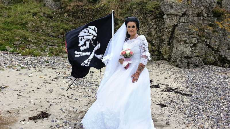 Woman divorces the ghost of a dead pirate after he tried to kill her