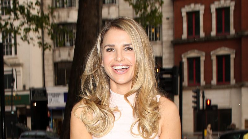 Vogue Williams Shares Candid Video Revealing Post-Partum Hair Loss - Grazia Daily