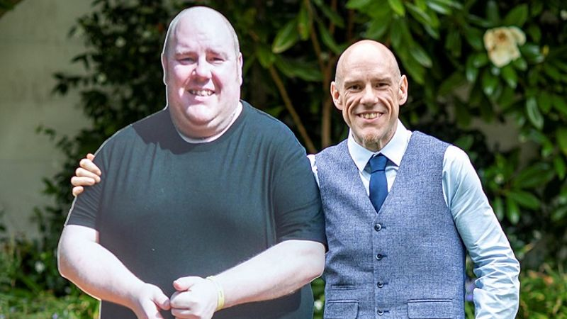 Sheffield care worker loses 15 stone after being too unfit to walk to Hillsborough