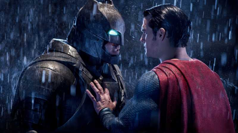 Empire Podcast: The Greatest – Batman Or Superman? In Association With Sky Cinema