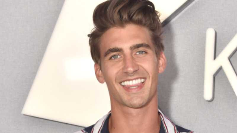 Love Island's Chris Taylor moves in with TWO Islanders