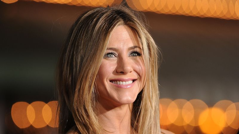 Just Like Jennifer Aniston, I Do A Goddess Circle Once A Month - Here's Why You Should Too