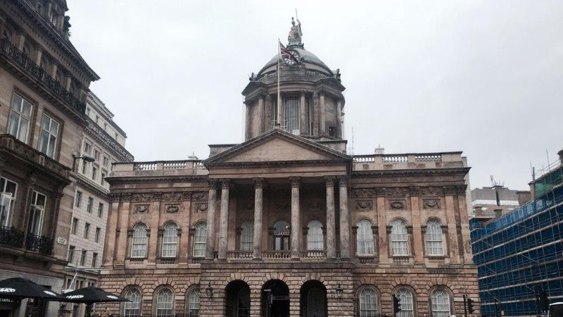 Liverpool City Council agrees to seek urgent budget talks with Government