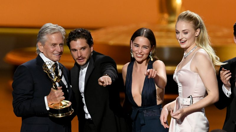Watch Game Of Thrones' Sophie Turner And Kit Harington Share An Adorable Reunion At The Emmys