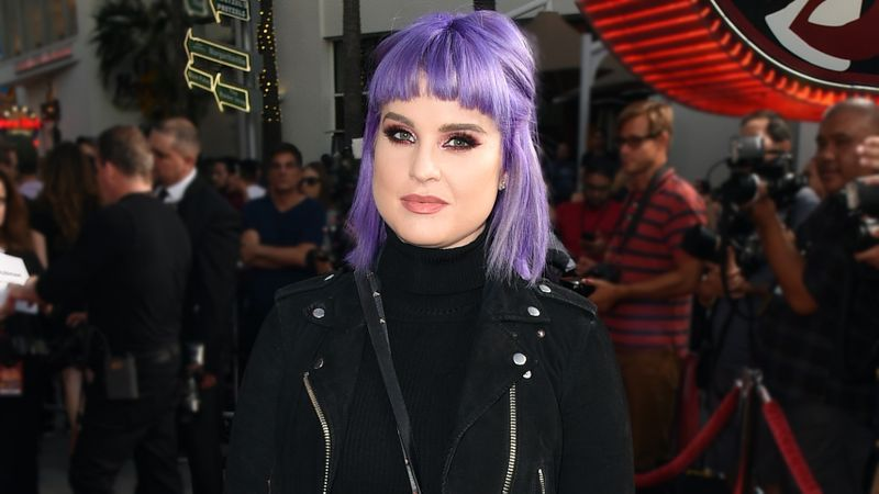 Kelly Osborne shows off 3st 8lb weight loss