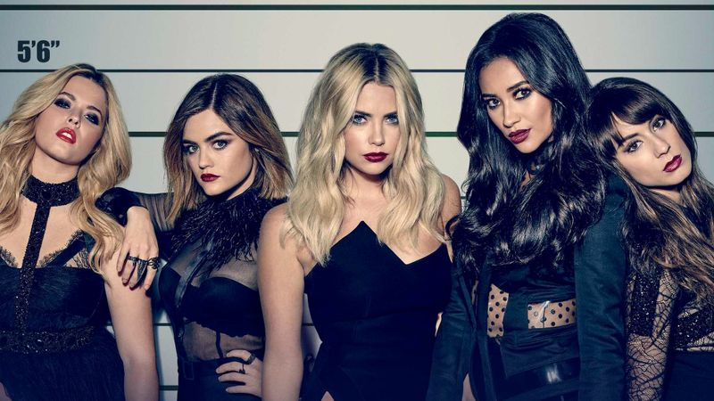 Let's Talk About Pretty Little Liars, The Best/Worst Show On TV