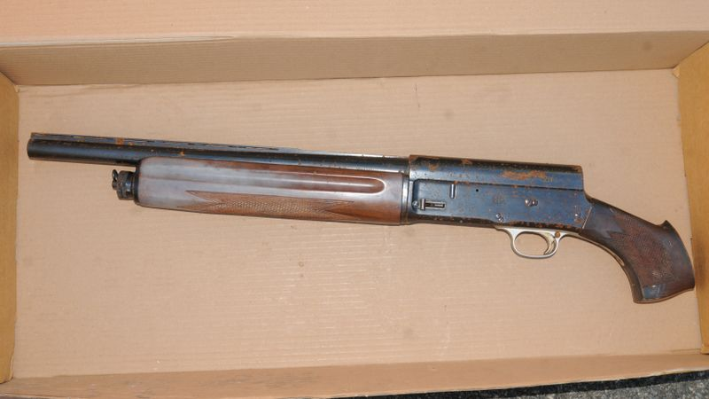 7 men who plotted to supply a sawn-off shotgun and ammo to criminals are jailed