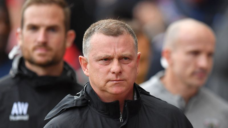 Mark Robins rejects Black Cats to stay in Coventry
