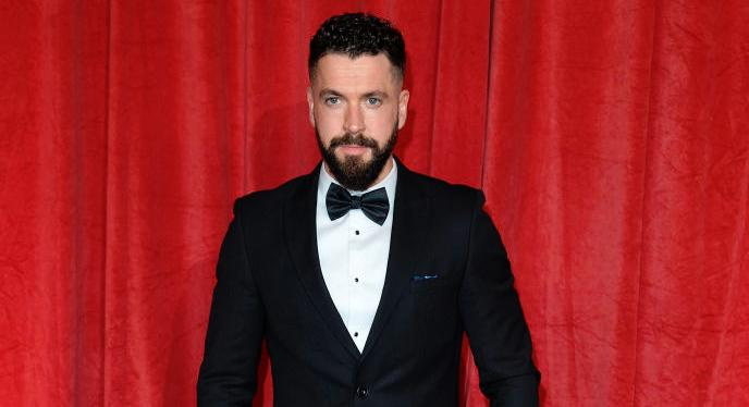 Shayne Ward shows off results of three and a half stone weight loss