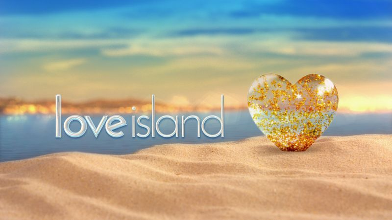 "Love Island 2019 couple hit back at claims they are ""on the rocks"""