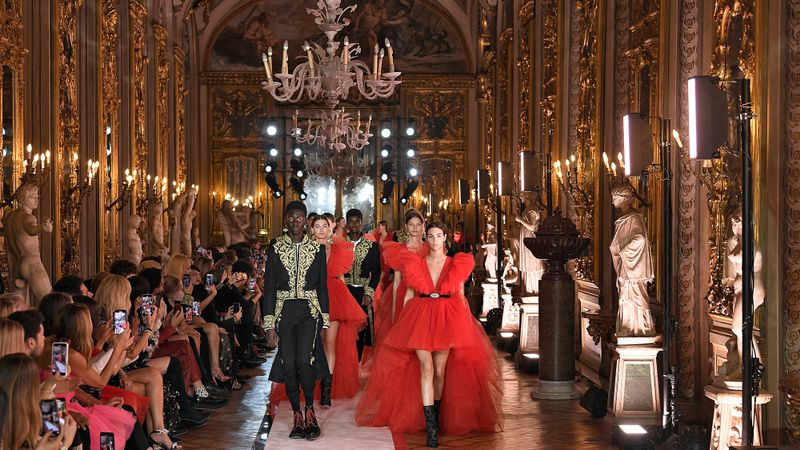 Shoppers Furious After H&M Website Crashes As Giambattista Valli Collection Launches - Grazia Daily