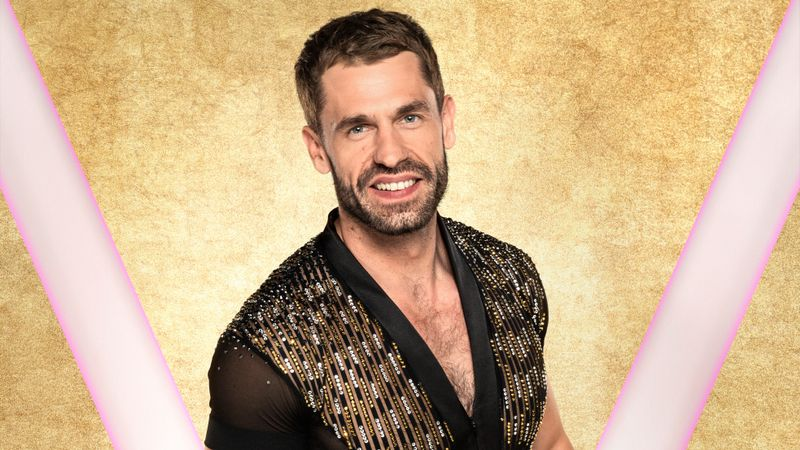 Strictly's Kelvin Fletcher is taking drastic measures to get through Viennese Waltz
