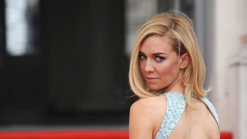 Netflix Thought Nobody Wanted To See The Queen Having Sex On The Crown, According To Vanessa Kirby