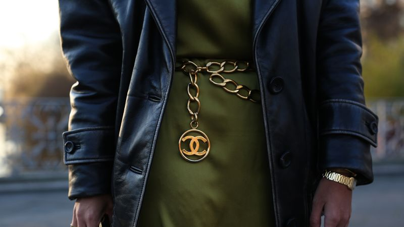 The 90s Chain Belt Trend Is Back
