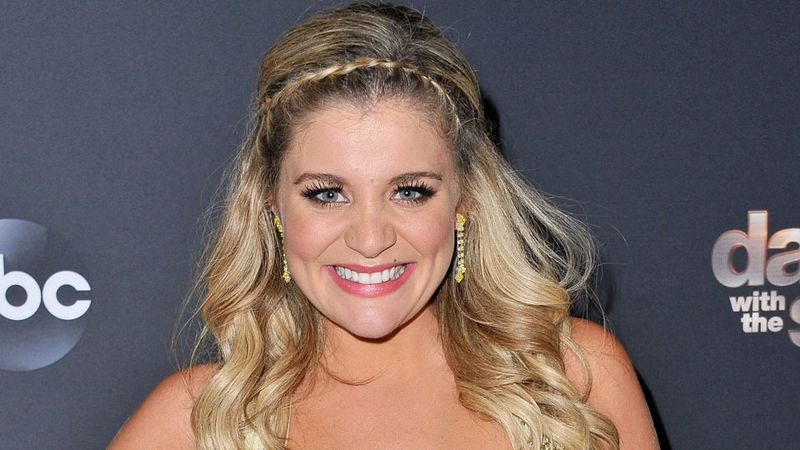 Lauren Alaina wows everyone with her Dancing with the Stars performance landing her a place in the final