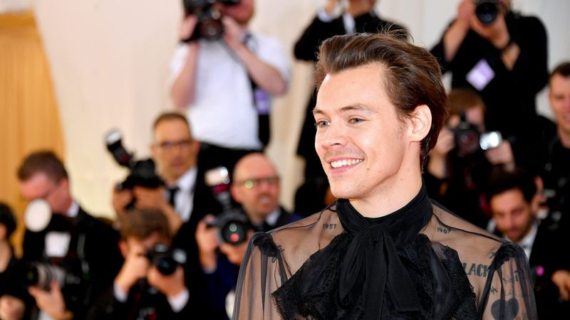Harry Styles' Manicure Has Sparked A Trend