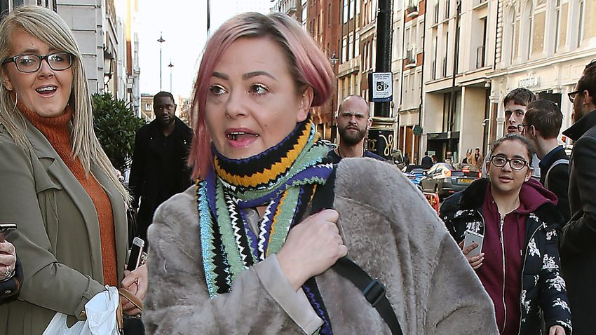 Lisa Armstrong dedicates heartbreaking post to her late dad