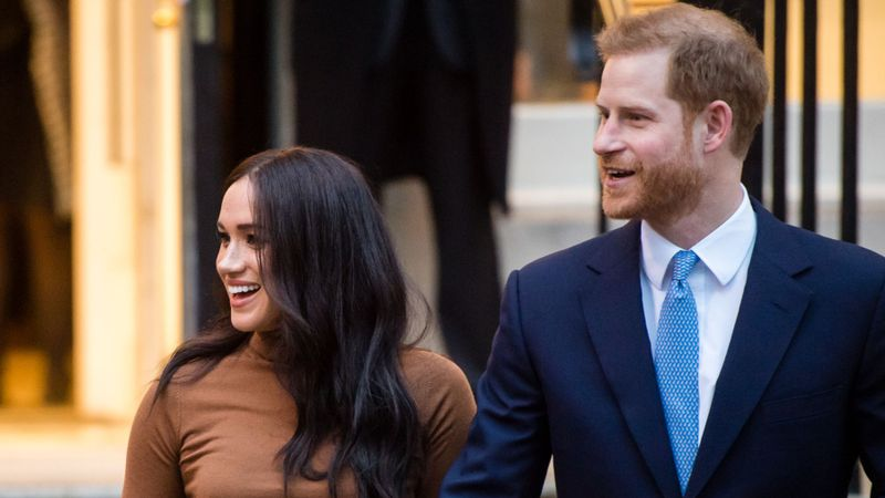 The Queen Says Harry And Meghan Will Lose Royal HRH Titles And Pay Back House Funds