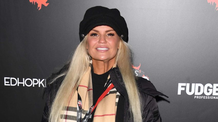 "Kerry Katona's post about ""dirty rotten teeth"" has fans in stitches"