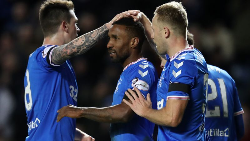 Defoe agrees to make Rangers move permanent in the summer