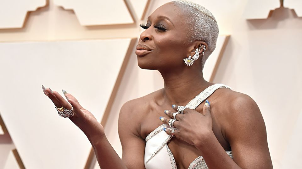 Oscars 2020 Beauty: Cynthia Erivo's Manicure Is Quite Literally A Work Of Art