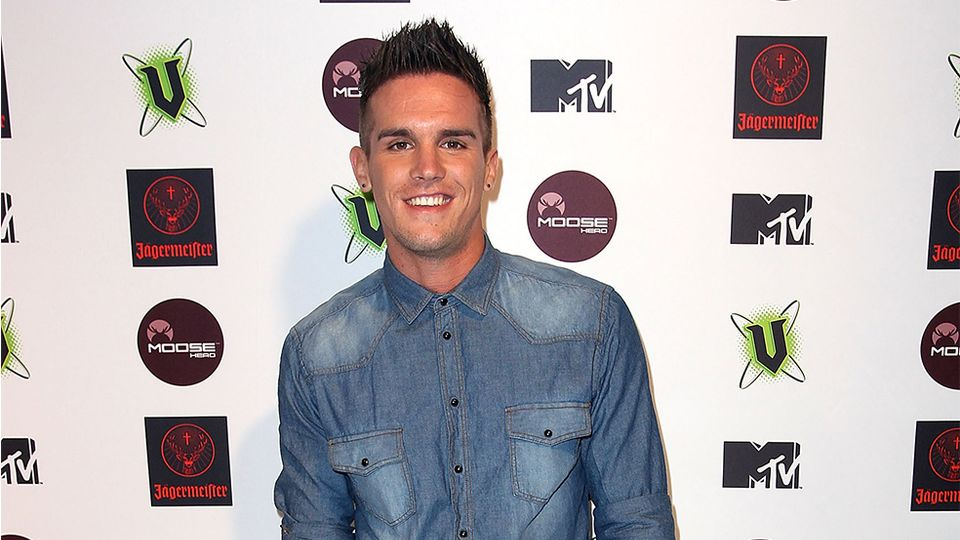 Gaz Beadle shows off hair transplant and wow