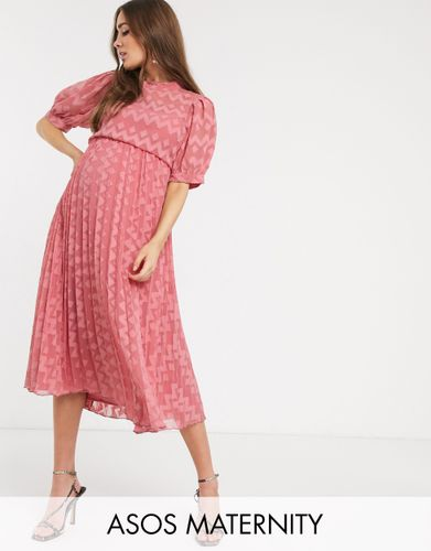 How Do You Dress For A Wedding When You Re Pregnant Here S Our Handy Guide Grazia
