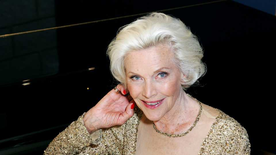 Actor Honor Blackman Dies, Aged 94
