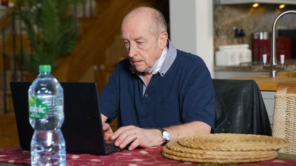 Coronation Street: Geoff Metcalfe hides the evidence against him