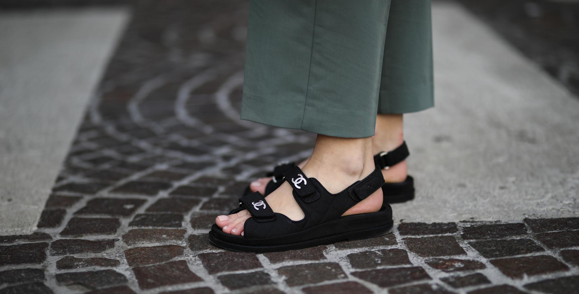 Online Searches For Dad Sandals Have Peaked Here S How To Actually Wear Them Grazia