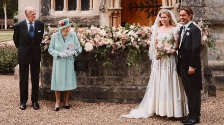 Princess Beatrice Wore A Vintage Wedding Dress Borrowed From The