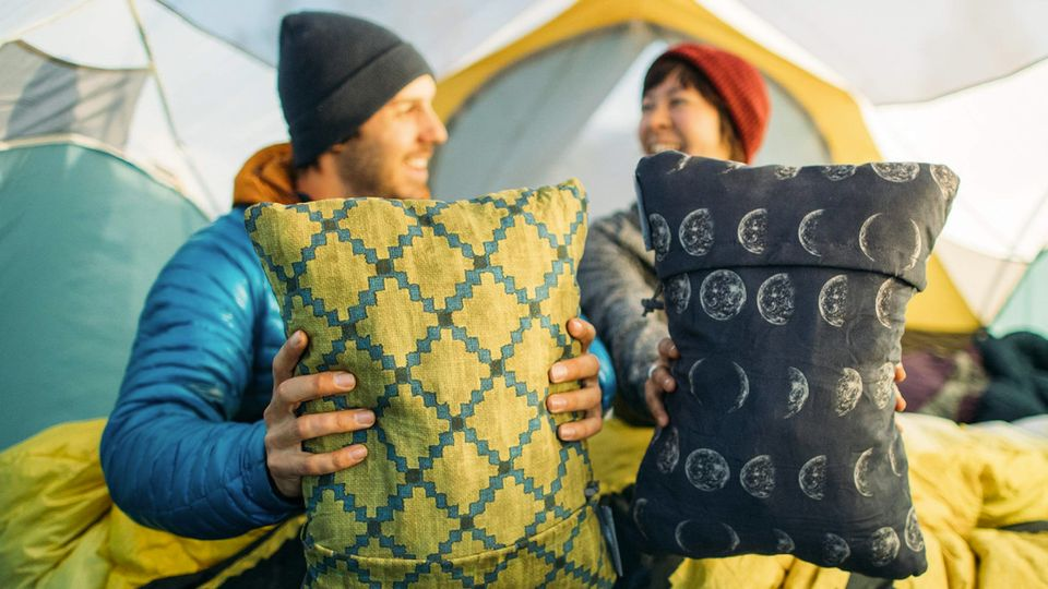 Camping Pillow Comparison: Which pillow