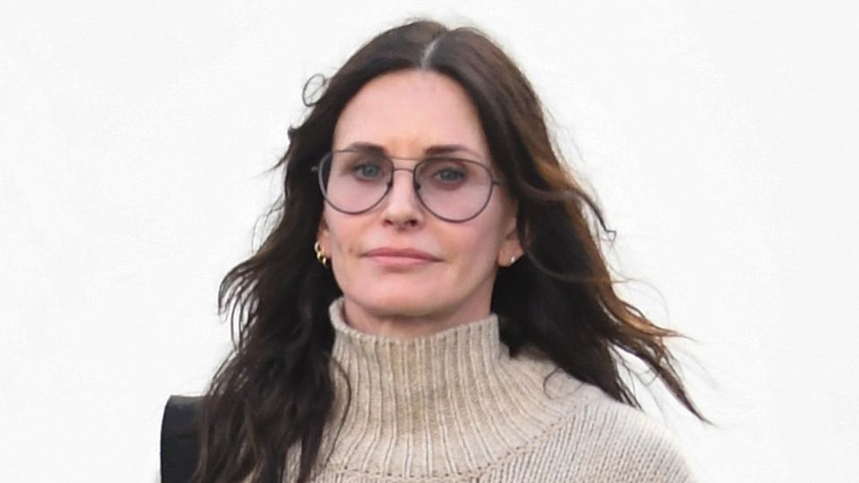 Courteney Cox torn over working with ex 😱