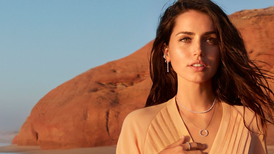 Ana De Armas On Sweatpants, Bond And Everyday Diamonds