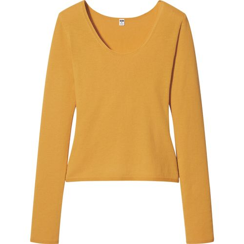 Uniqlo, 3D Seamless Knit High Twisted Cotton Crew-Neck Jumper, £24.90