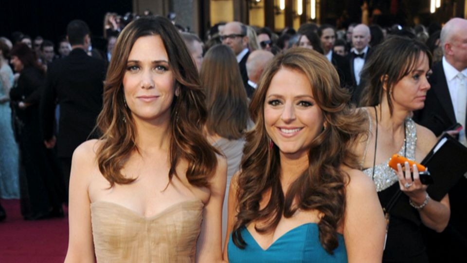 Kristen Wiig And Annie Mumolo Writing Cinderella's Stepsisters Spin-Off Film For Disney