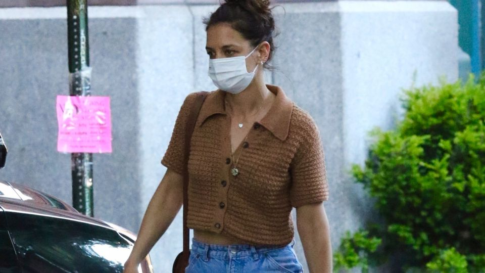 Katie Holmes Just Wore Yet Another Knitted Buy From Mango – And It's Only £29.99