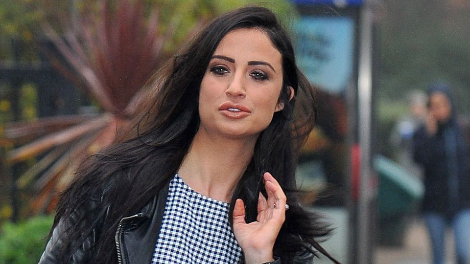 Chantelle Houghton splits from fiancé following 'red flag'