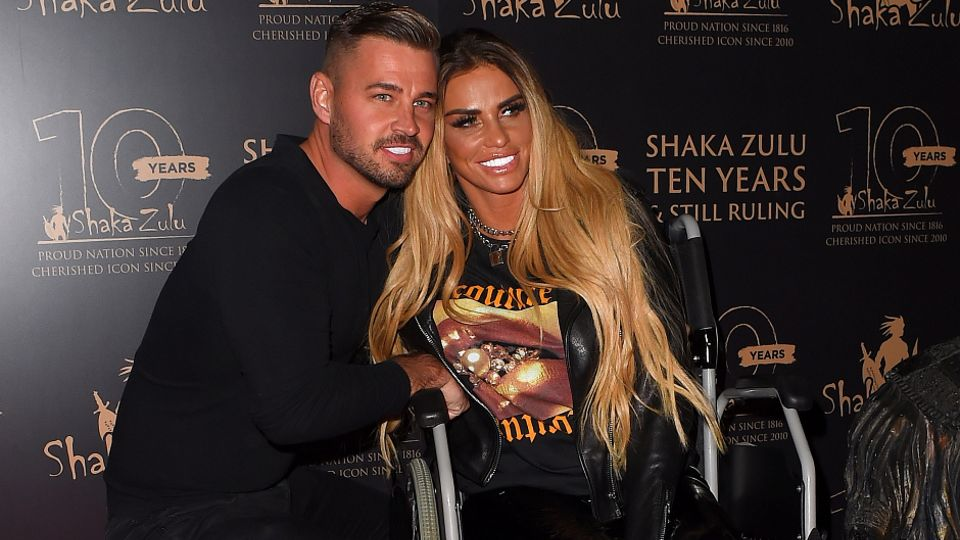 Katie Price and Carl Woods 'jet off to Turkey' after she speaks out to defend him