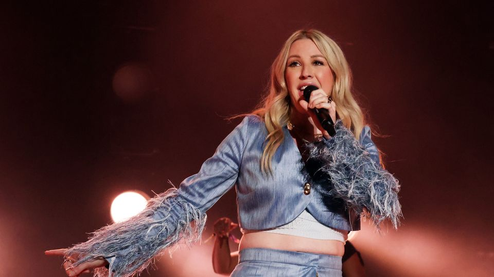 Ellie Goulding Wore Shorts With A 'Poo Trap Door' When She Performed At Coachella With Stomach Bug