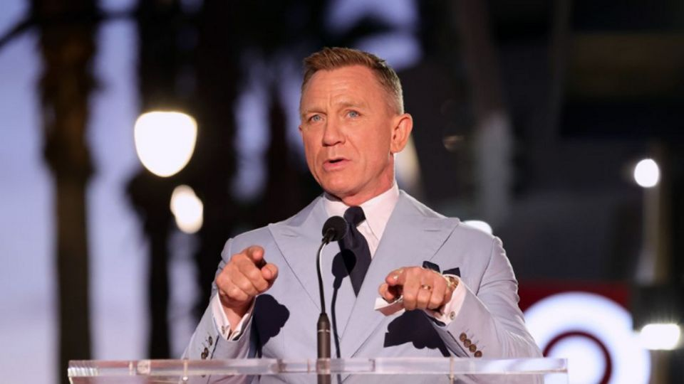 Why Is Daniel Craig Going To Gay Bars?