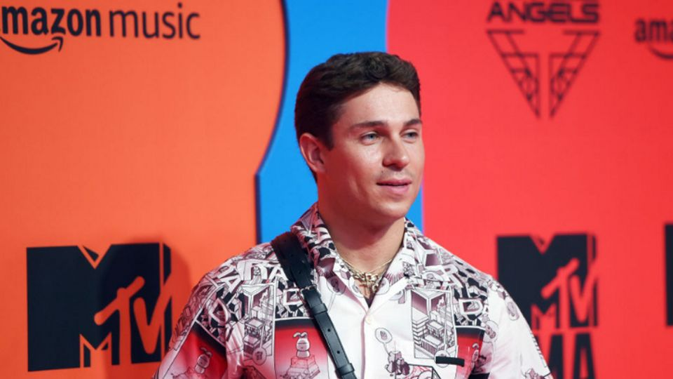 Joey Essex Claims He Was 'Duped' Into Cryptocurrency Con