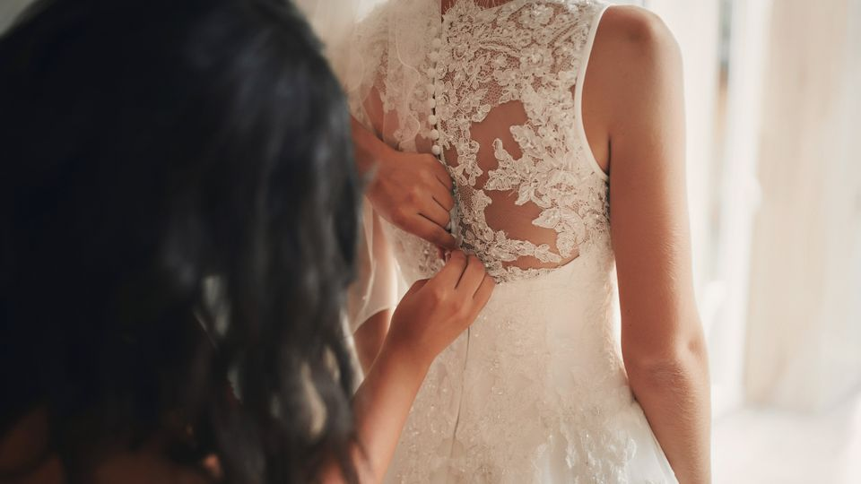 This Bride Refused To Invite Her Sister To Her Wedding - But Was She Right?